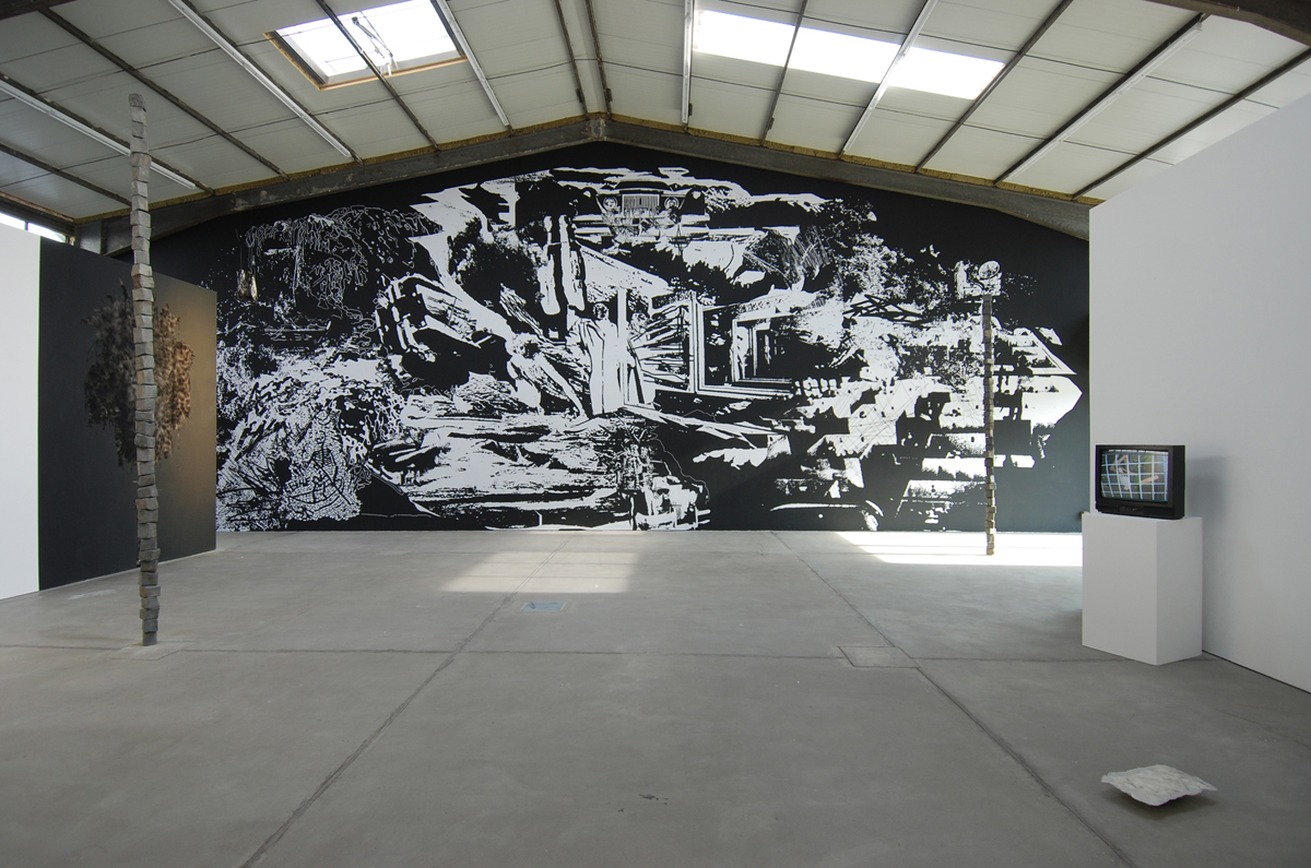 The black car and green waters of Lethe, 2008, exhibition view at LOOCK Galerie, Berlin