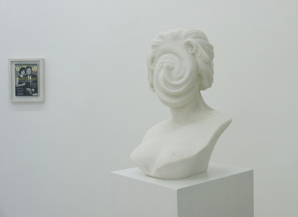 Crime is crime is crime..., 2008, marble, cm 47 x 34,5 x 30