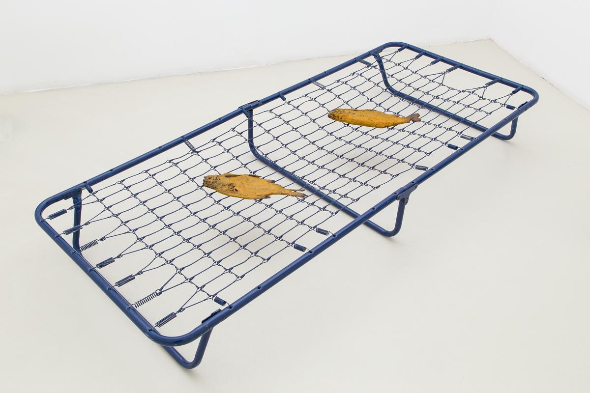 Dormire con i pesci (cucina campestre), 2014, bronze, iron, cm 23x80x188