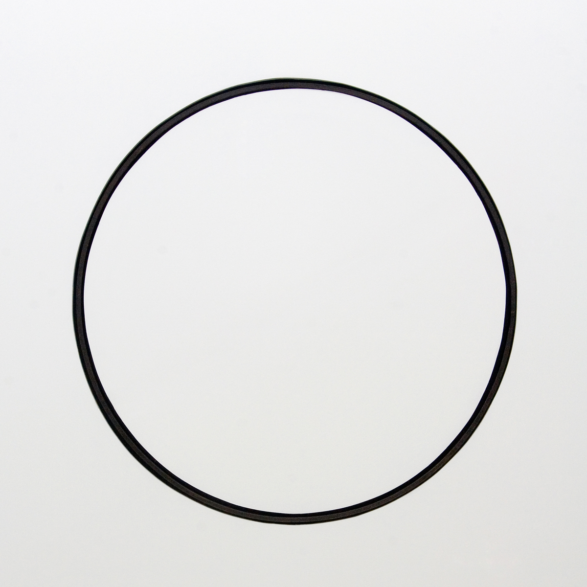 Circle, 2007, metallic rim of Sicilian cart, iron, emgine, plaster , cm 370x330