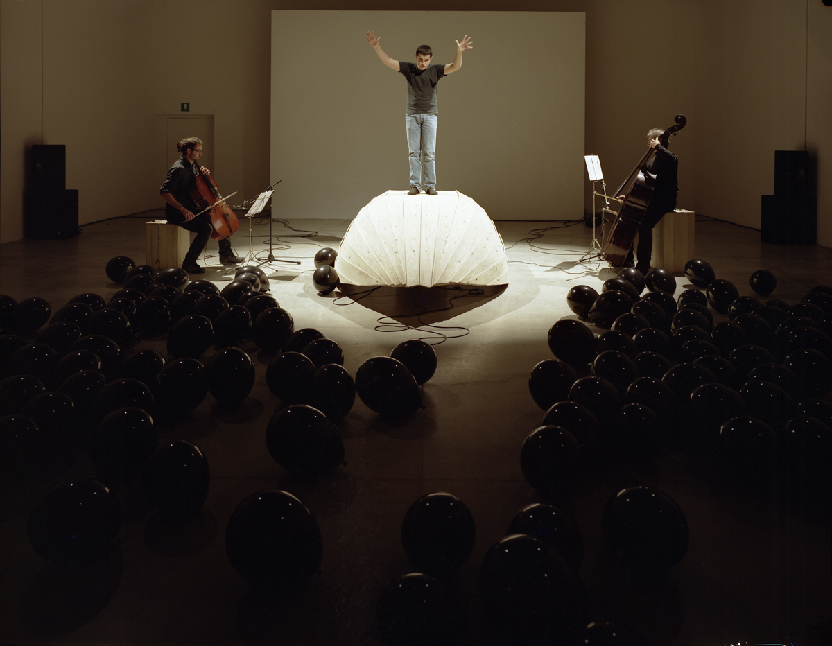 The Conversation, 2010, performance and installation view at Museo MamBo, Bologna, Italy