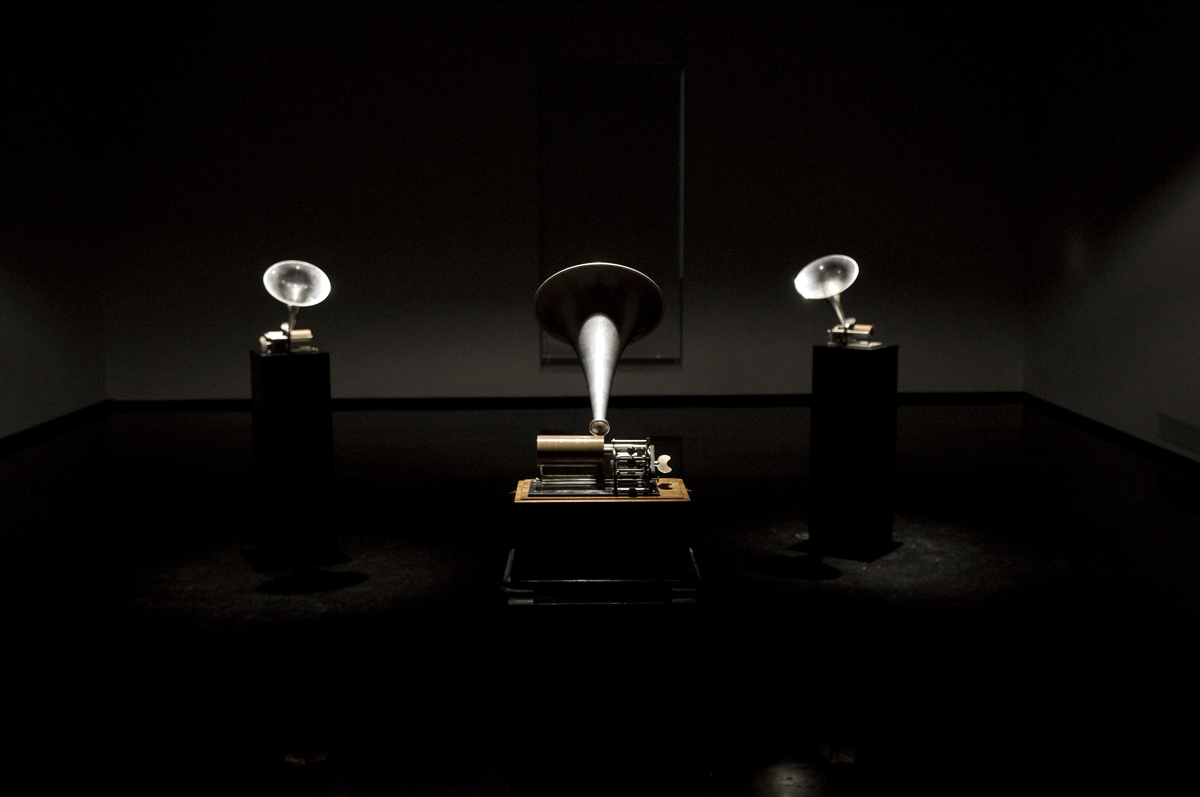 Variazione per voce, 2012, 3 phonographs, 3 wax cylindres, 3 audio tracks © Luis Rosario