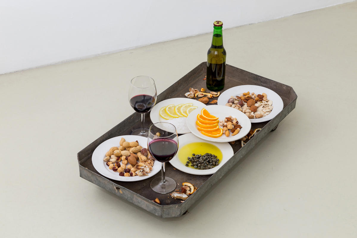 Aperitivo, 1995, beer, wine, nuts, peanuts, pumpkin seeds, orange, lemon, salt, dishes, glass, var.dim.